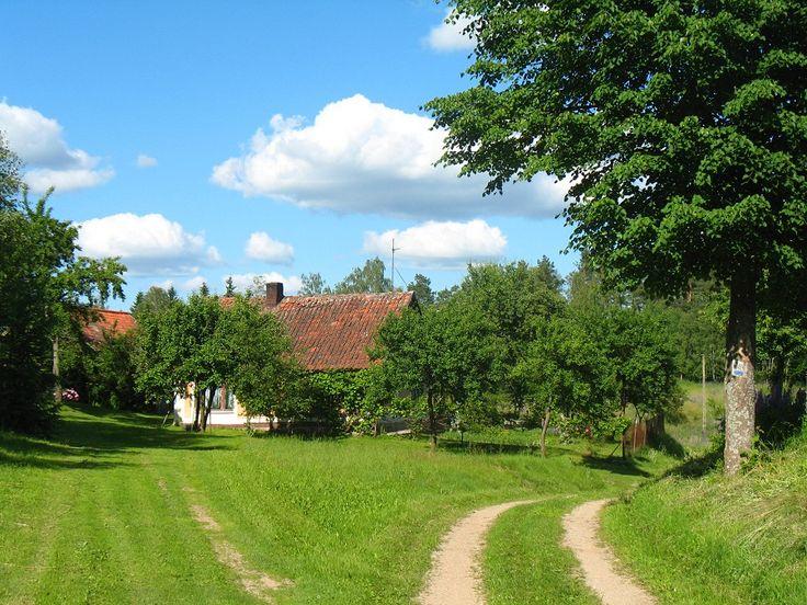 Dalej na szlaku jedziemy przez małe mazurskie miejscowości, które są położone nad przepięknymi jeziorami.  www.it.mragowo.pl