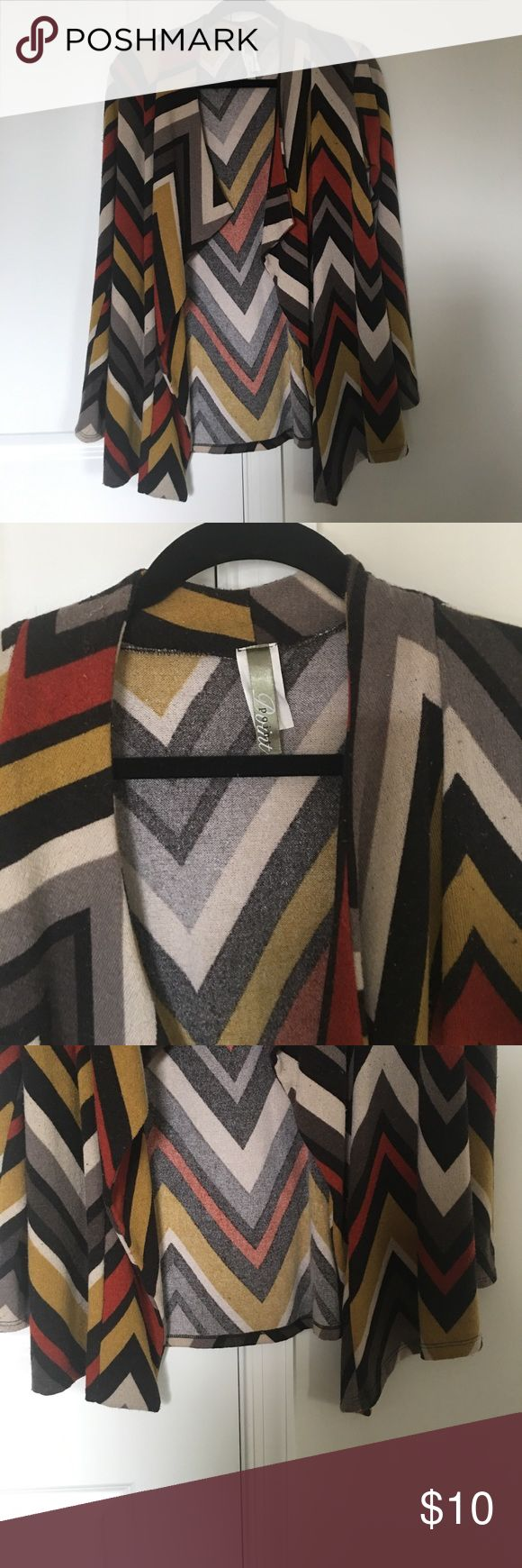 *$13 1 DAY SALE*Boutique Southwestern Cardi Size L Boutique Southwestern Print Point Cardigan Size L - A few fuzz balls.  As always, I am willing to negotiate individually and in bundles! All offers considered. Point Tops