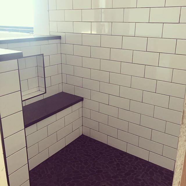 4x8 subway tile with seat farmhouse
