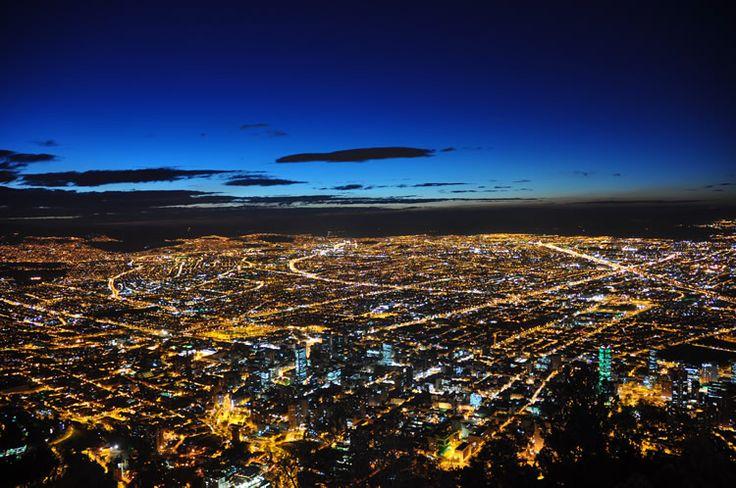 La Calera es un municipio colombiano que se ubica en el costado nororiental de la ciudad. En la vía a La Calera esta el mejor mirador de Bogotá...