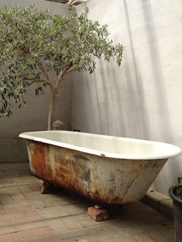 Le modèle de salle de bain extérieur- pureté pour l'esprit et le corp - baignoire-vitnage-extérieure