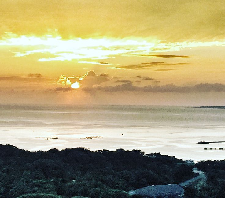 Nice sunset in 花人逢 Pizza in the Sky,Okinawa Japan