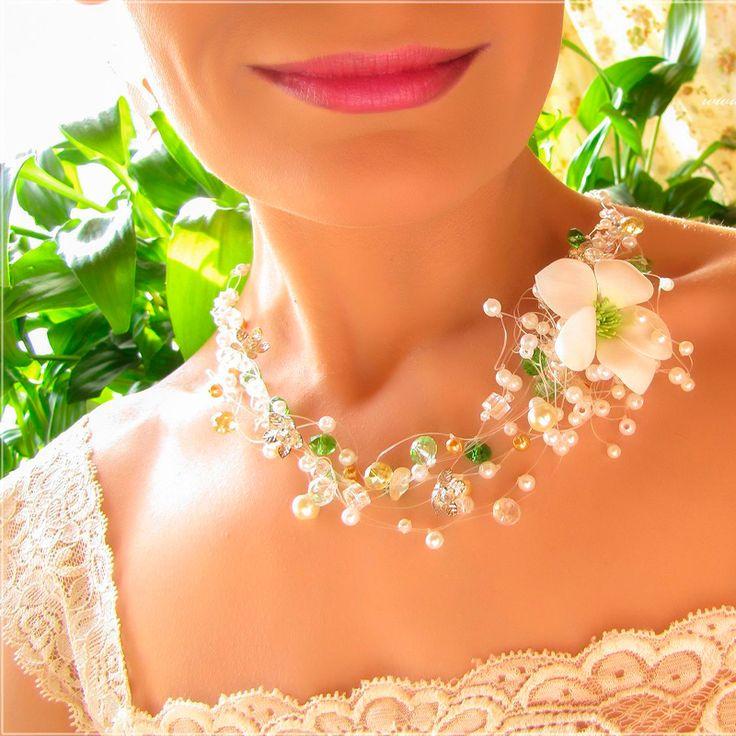 фото свадебных украшений на шею днем