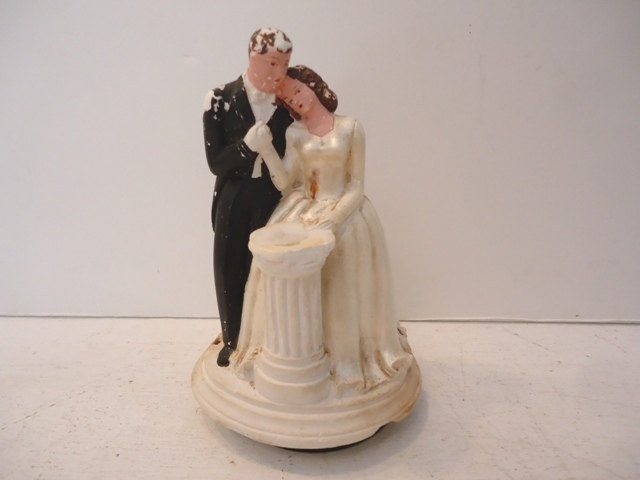 1940s cardboard wedding cake 1000 images about vintage wedding cake toppers on 10085