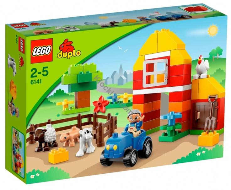 Lego 6141 Duplo My First Farm. Zaopiekuj się zwierzętami na farmie Duplo. Nad farmą zawsze świeci słońce. Pomóż farmerowi prowadzić jego traktor i upewnij się że wszystie zwierzęta są szczęśliwe i nakarmione. Zestaw zawiera 4 figurki zwierząt Duplo (cielaczek, owca, świnka i kura) i farmera Duplo.