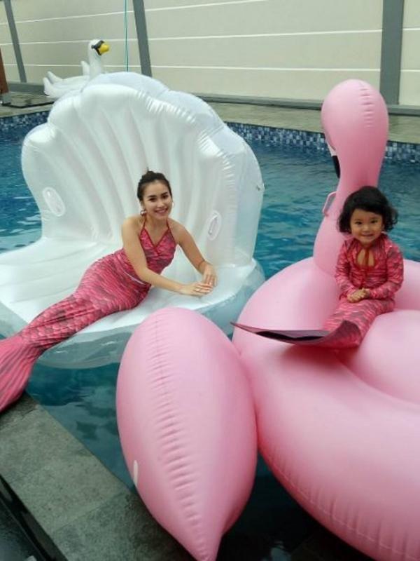 Pesona 5 Artis dalam Balutan Kostum Putri Duyung - http://wp.me/p70qx9-6hs