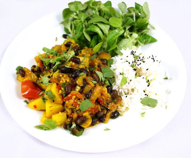 Oppskrift Vegansk Gryterett Vegetar Orientalsk Gryte Indisk Krydder Bønner Potetgryte Gurkemeie