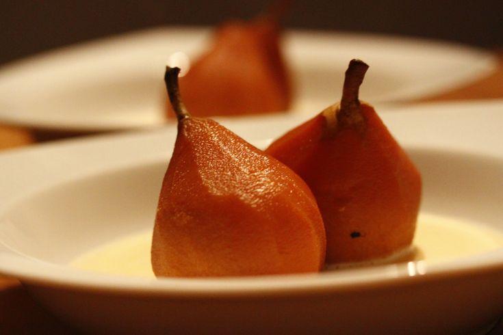 Dessert stoofpeertjes met vanillesaus recept van Foodblog Foodinista