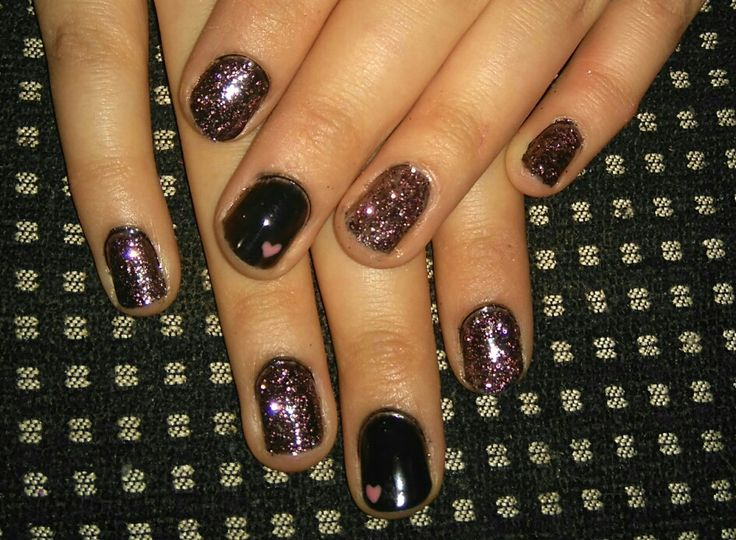 Black and dark pink glitter nails