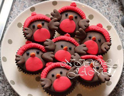 cakes decor - nicola jane's cakes - christmas - christmas cupcake - robin cupcakes