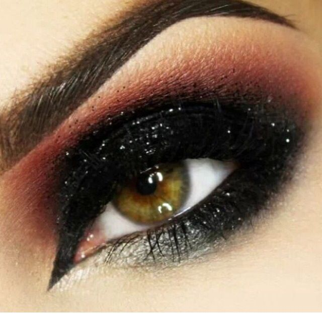 Smokey eye for light brown eyes | punk makeup | Pinterest