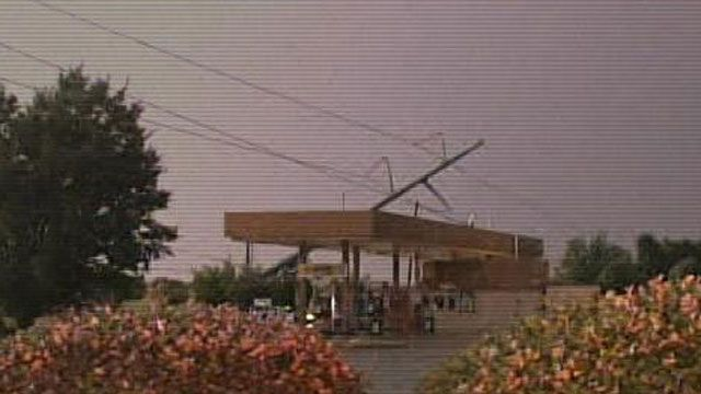 Strong Winds Cause Power Outages Around OKC