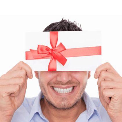 Erkek arkadaşınıza güzel bir doğum günü hediyesi seçebilmek için, kim bilir belki de onlarca alış veriş mağazası gezdiniz. Bu yetmedi, yüzlerce hediye sitesi içerisinde de gezinip durdunuz! Vaktinizin büyük çok bir bölümünü heba ettiniz ama yok, yok, yok! Sizi etkileyebilecek, gözünüzü kırpmadan satın alabileceğiniz özel bir hediye bir türlü bulamadınız! http://www.eniyihediyefikirleri.com/2014/02/erkek-arkadasa-yaratici-hediyeler.html