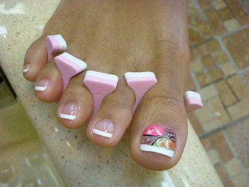 Hottest French Pedicure Designs- I'll remember this the next time I get my toes done.