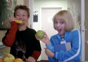 RARE Jordan Fry and Annasophia Robb Pic - charlie-and-the-chocolate-factory Photo