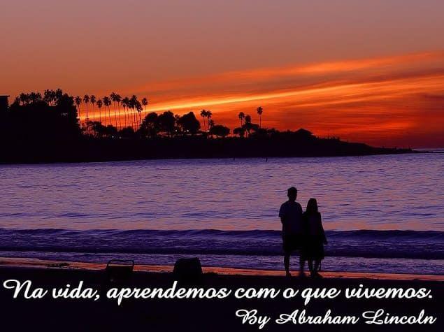 Frases Famosas Em Imagens Casal Na Beira Da Praia Olhando