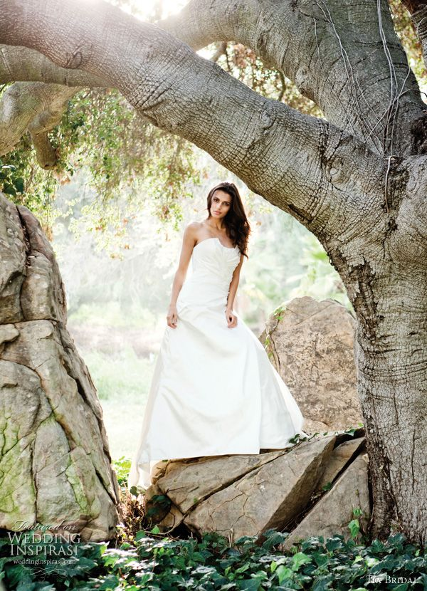 Tia Bridal by Benjamin Roberts 2011 Wedding Dresses | Wedding Inspirasi