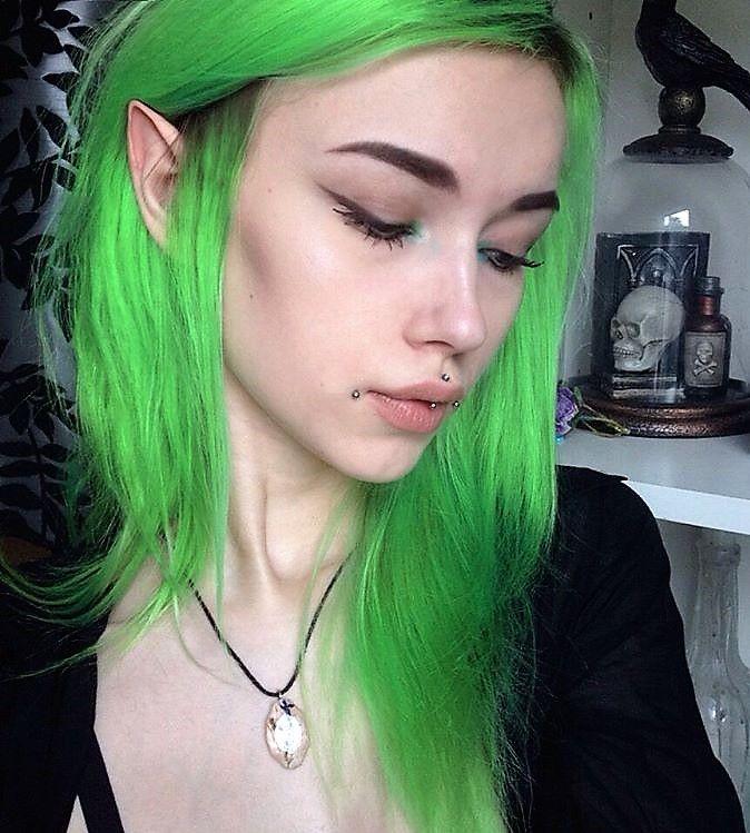 Medium length lime green hair by larinamayner