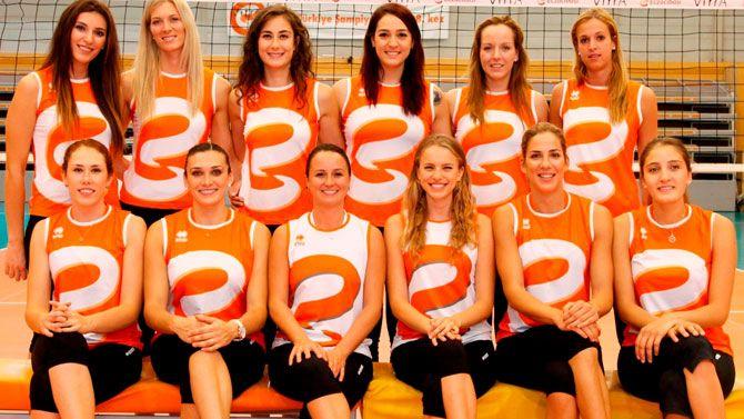 Eczacıbaşı VitrA, Avrupa da yenilgisiz lider olarak Playoff 12 etabına yükseldik. Tebrikler kızlar!