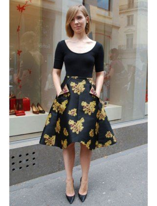 7 Ways To Wear A Full Skirt: skirt with pockets