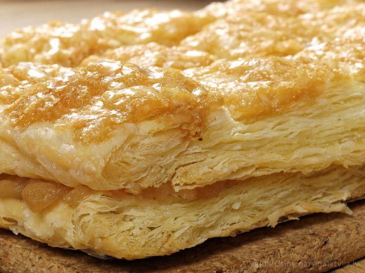 Abolkuka (Apple Cake) - (Latvian Recipe)