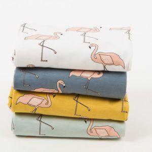 Flamingo Dusty Pink, biologische tricot van Elvelyckan Design. Uitermate geschikt voor baby's door het GOTS label. Geen schadelijke stoffen gebruikt!