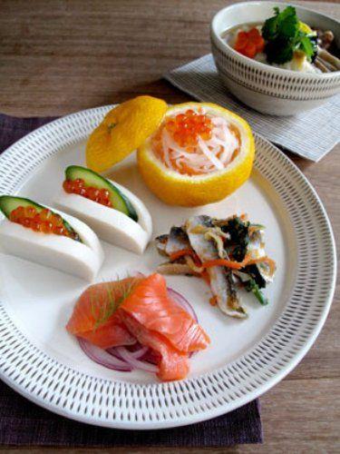 お正月といえば、おせち料理ですよね。今回はワンプレートで綺麗に盛りつけたおせち料理をご紹介します♪