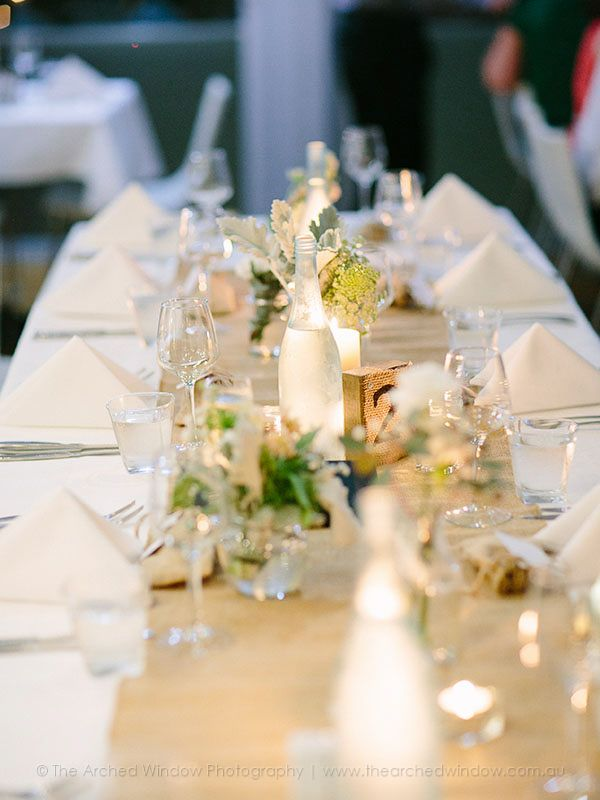 hessian table runners for a wedding reception. wedding venue Babalou Kingscliff. Photography by The Arched Window.