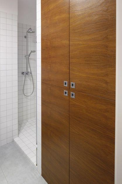 Przechowywanie w łazience. 15 pomysłów na wysoką zabudowę  - zdjęcie numer 13
