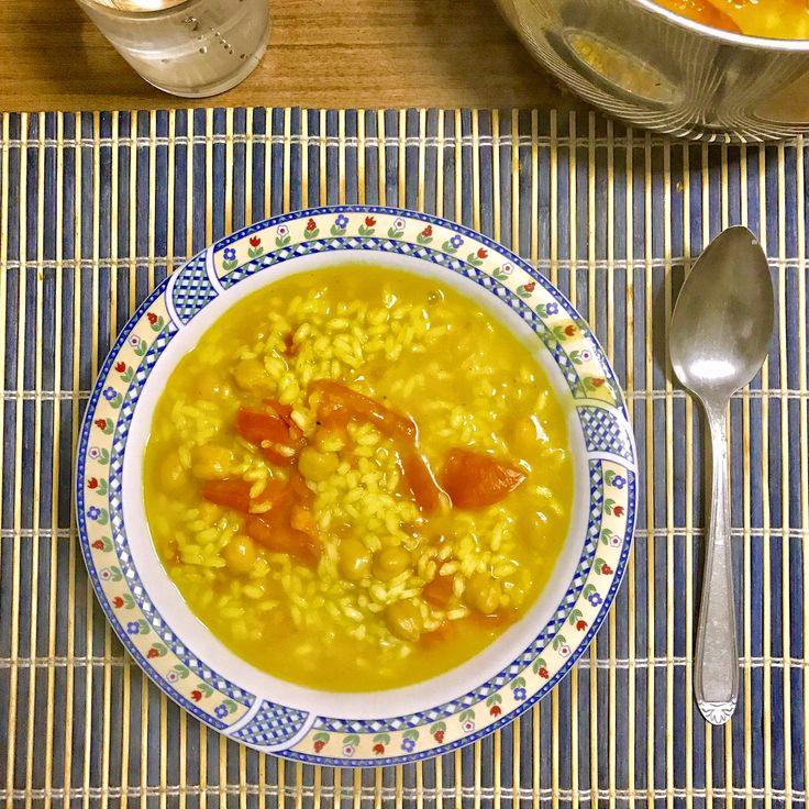 Zuppa di riso e ceci  con curcuma e curry