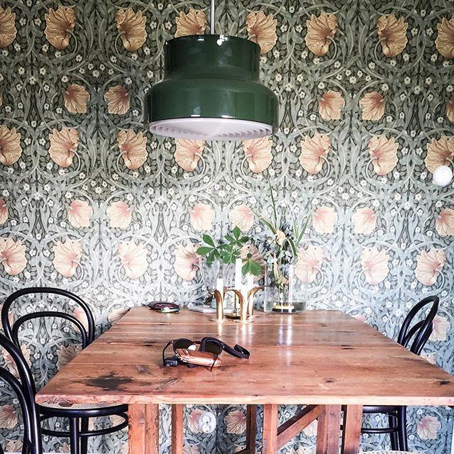 Lovely dining area   William Morris   Bumling lamp