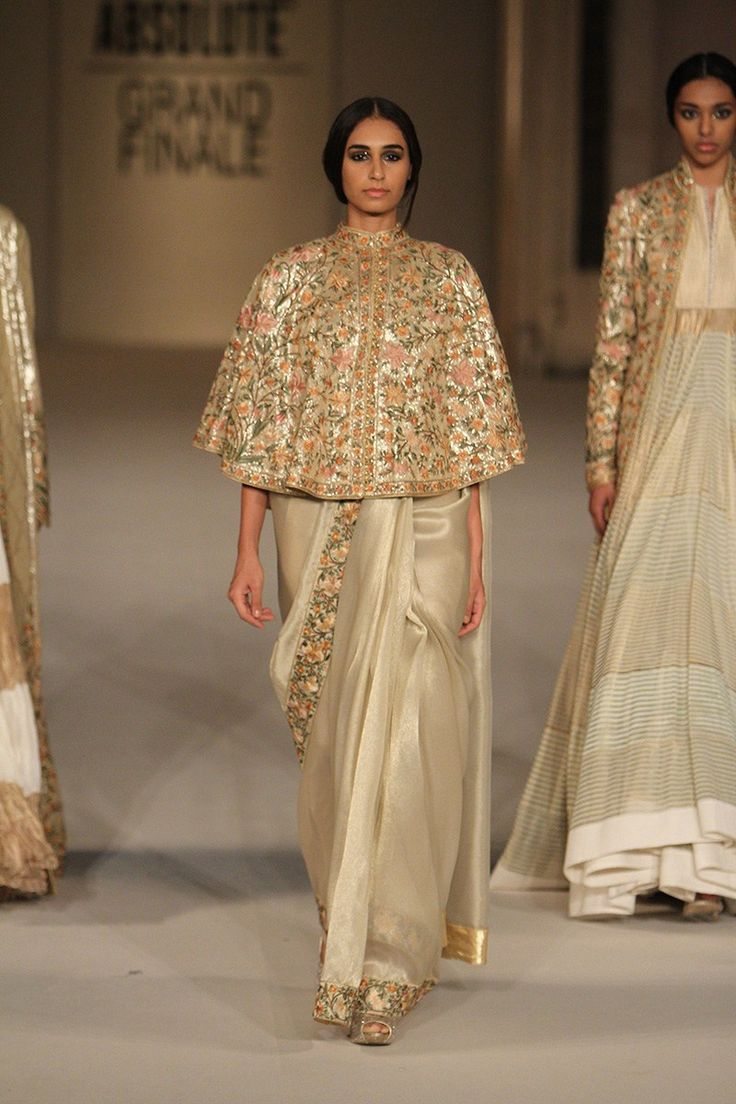 Rohit Bal creates magic on the runway - LIFW Summer/Resort 2016