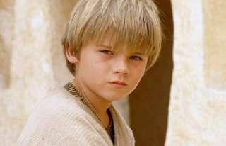 Jake Lloyd hizo su primera casting para interpretar a Anakin Skywalker en 1995, pero consideraron qu... - Copyright © 2017 Hearst Magazines, S.L.