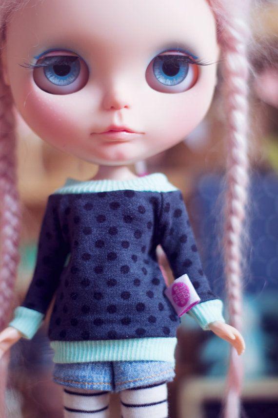 Dark Dots sweater for Blythe dolls