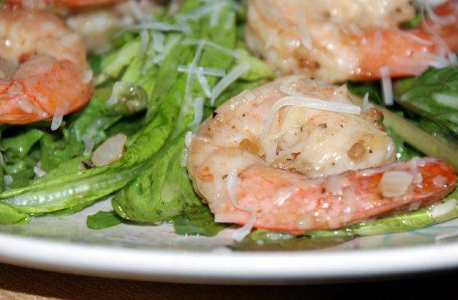 Gamberetti crudi su insalatina primaverile - La ricetta di Buonissimo