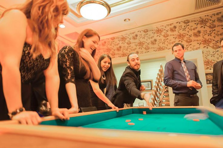 Soirée casino pour un party des Fêtes au Manoir Montmorency.