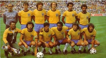 A lendária seleção de 1982:  Em pé - Valdir Perez, Leandro, Oscar, Luizinho, Falcão e Junior;   Agachados - Sócrates, Cerezzo, Serginho, Zico e Eder.