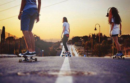 Produsele Nilox sunt recunoscute pentru distractia pe care o ofera. Skate-ul Doc Plus se incadreaza in aceasta categorie si poate deveni mijlocul tau preferat de transport. #Nilox #DocPlus #skate #skateboard #skateboarding #transport #urban