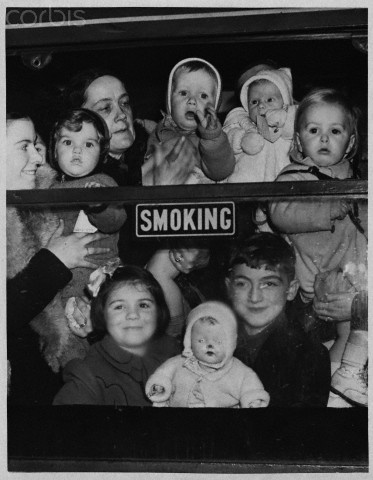 Evacuee mothers and children leave London, November, 1940.