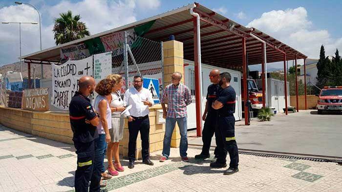 Los diputados provinciales del PSOE, Manuel Chicón y Eva Rodríguez, han exigido hoy al equipo de gobierno del PP en la Diputación de Málaga la apertura del parque de Bomberos de Nerja.   #bomberos #nerja #noticias