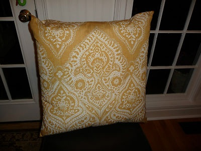 NWT Pottery Barn Outdoor Pillow Cascais Print Yellow 24 Inch Summer FREE SHIP PillowLiving Room