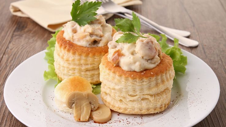 Charlo Clarke from the Martello Hotel in Bray shares a delicious recipe this morning. For the Chicken and mushroom vol au vent 1 Jus Rolpuff pastry sheet Egg wash Chicken and mushroom filling : 250g Chicken Fillet (diced) 2 Shallots (diced) 1 Tablespoon of Wicklow Rapeseed oil 70 g Mushrooms (sliced) 1 glass White wine Chopped...