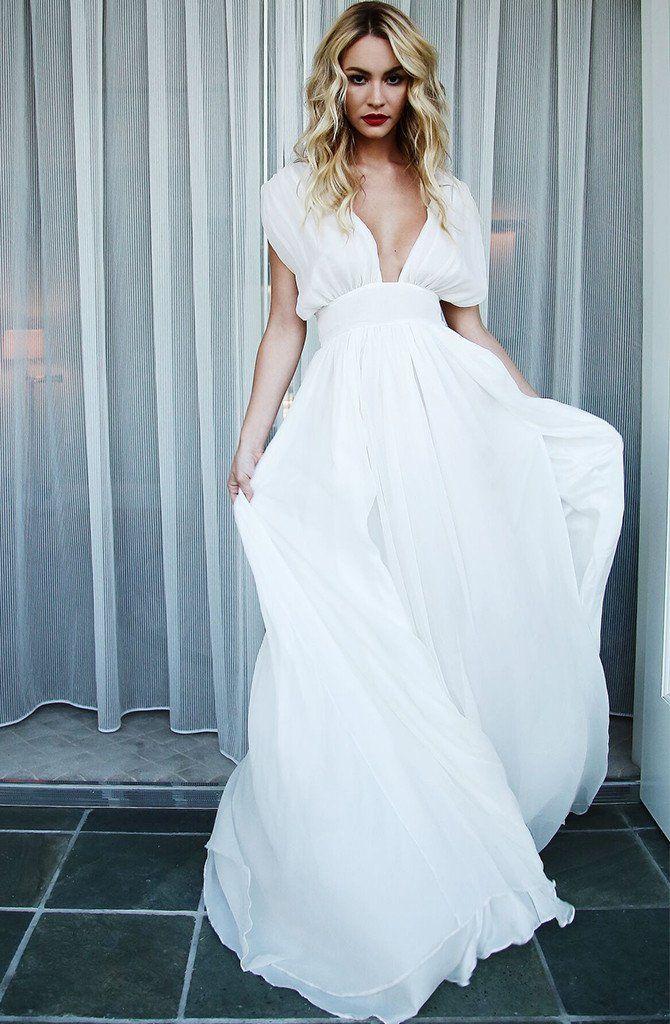 63 best Wedding dresses images on Pinterest | Wedding frocks, Bridal ...