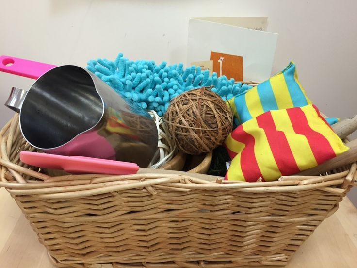 Baby and Toddler Play - A parent's guide to heuristic play and treasure baskets :http://www.giraffe.ie/baby-and-toddler-play-a-parents-guide-to-heuristic-play-and-treasure-baskets/