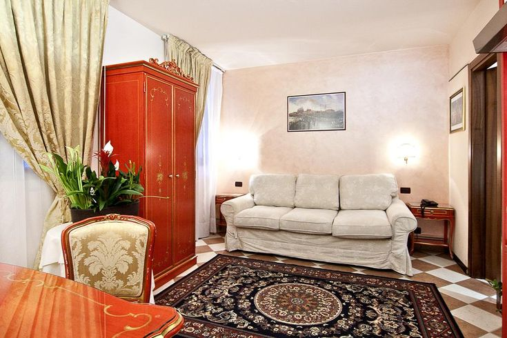 Residenza Ca' San Marco Video : Hotel Review and Videos : Venice, Italy - http://all-hotels.in/residenza-ca-san-marco-video-hotel-review-and-videos-venice-italy.html
