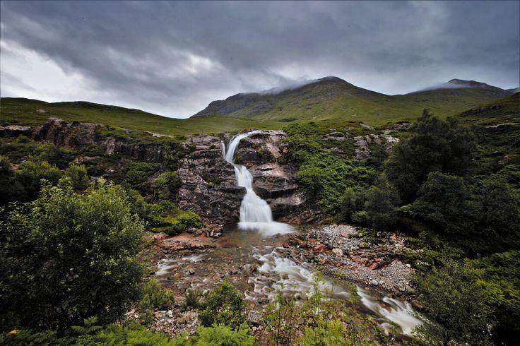 Voyage en Ecosse : direction Isle of Skye  #ECOSSE #SCOTLAND #PONT #ROUTE #cascade #eau  http://www.bien-voyager.com/roadtrip-ecosse-isle-of-skye/