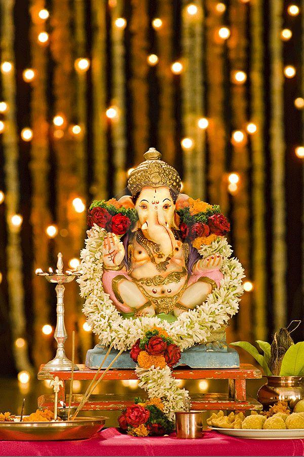 Shri Ganesh idol established in home for