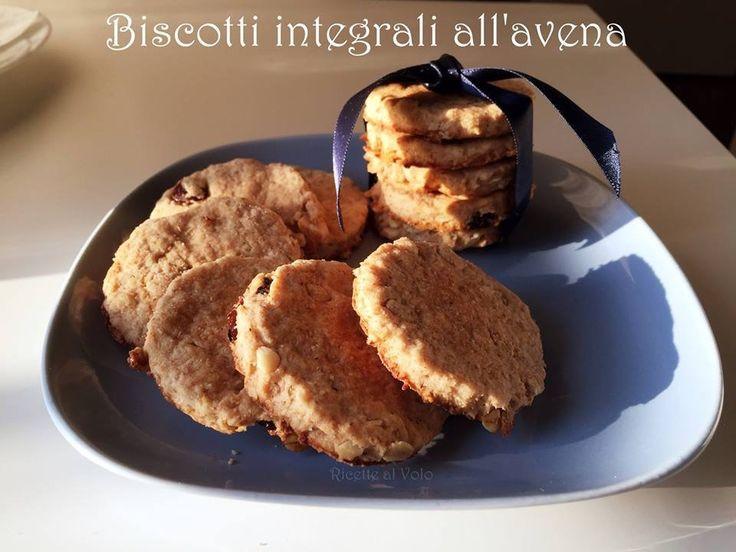 biscotti con farina integrale e avena http://www.ricettealvolo.it/biscotti-integrali/