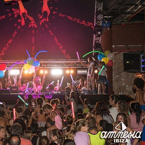 #FoamAndDiamondsForKids at @amnesiaibiza w/ #Top100DJ #DJ P @ParisHilton! Tix @FoamAndDiamonds / @FoamAndDiamondsKids: https://tickets.amnesia.es/parishilton_list/#sf-events  #Amnesia #AmnesiaIbiza #APNEEF #Beauty #CashMoney #Charity #Creamfields2015 #Dance #Designer #DJs #EDM #Fashion #FashionKids #FoamAndDiamonds #FoamParty #HighOffMyLove #HOML #HouseMusic #Ibiza #Ibiza2015 #ItGirl #Love #Model #Music #Nightclubs #ParisHilton #ParisHiltonJuniorCollection #PartyWithParis #PDiamond