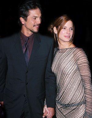 "Benjamin Bratt and Sandra Bullock - The ""Miss Congeniality"" Los Angeles premiere, December 14, 2000 | Photo Credits: courtesy Kathryn Indiek/WireImage.com"